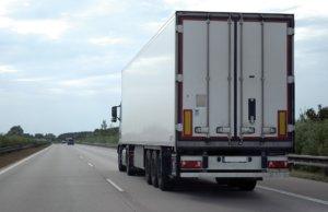 truck-on-the-road-300x194 GŁÓWNA
