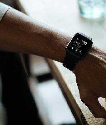 apple-watch-828827_640-341x400 GŁÓWNA
