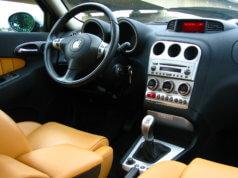Alfa_Romeo_156_2nd_series_interior_2-238x178 GŁÓWNA